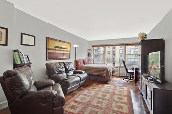 Studio Apartment Upper East Side Manhattan beautiful studio apartment on the upper east side studio for sale